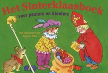 Sinterklaas  / Het oergezellige Hollandse 'heerlijk avondje' is voor kinderen een onvergetelijk feest: een mysterieuze oude heer met een witte baard die op een schimmel over de daken rijdt, vreemde exotische knechten, en nog cadeautjes ook. Marianne Busser en Ron Schröder schreven een rijmende handleiding voor de allerkleinsten die voor het eerst kennismaken met de goedheiligman. Waar komt de sint vandaan, welke Pieten zijn er en wat gebeurt er op 5 december?