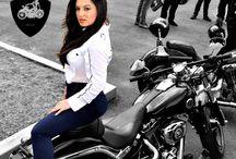 BikerGirls1 / Chicas Con Sus Motocicletas!