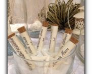 matrimonio a tema mare / tutti i dettagli del tuo matrimonio dai segnaposto al centrotavola , dal tableau alle bomboniere #matrimonio #mare #sabbia #spiaggia #conchiglie