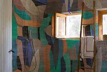 Inspiration Ethnique : Des motifs et des matériaux naturels pour votre salle de bains. / Le style ethnique est si agréable dans une #salledebains.. Entre #déco #zen & inspiration des quatre coins du monde. Un voyage assuré grâce aux bois, aux pierres, aux motifs décoratifs, au cuir. Un véritable moment de détente vous attend.   #Bois #Wood #Salledebains #Bathroom #Inspiration #Lavabos #Baignoires #Naturel #Natural