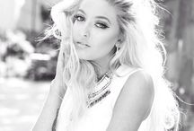 sofia karlberg / my favorite singer she's beautiful, follow her on YouTube!