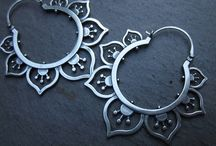 Earrings / Jewellery