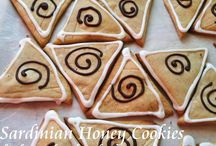 SARDINIAN HONEY COOKIES / Kitchen Wisdom Gluten Free Sardinian Honey Cookies Recipe http://kitchenwisdomglutenfree.com/2016/01/28/sardinian-honey-cookies-forget-what-you-know-about-wheatc/