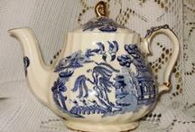 Sadler Teapots / by Artbysunfire