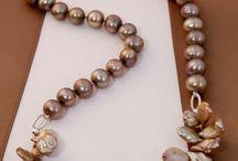 colla de Perlas
