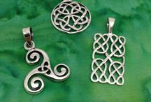 Celtic Jewelery / Celtic artwork dates back thousands of years ago when the Celts and Pagans dominated much of Ireland and the Scottish highlands. The main theme in Celtic artwork is the idea of interconnectedness and eternity represented by spirals, knots, and basic shapes to form patterns.