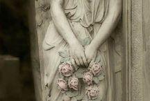 Angels & wings / by Zelda Lutzke