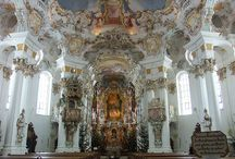 Cathedrals,Churches, and Castles of the world / by Angie Janssen