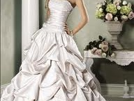 wedding dreams <3 / by Alexis Lambert