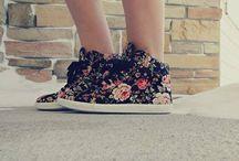 sneakers j