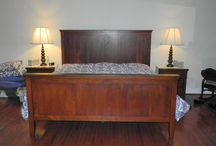 Farmhouse Bedroom Furniture / At Shenandoah Furniture Gallery, we capture the historic beauty of wood reclaimed from local barns and create handcrafted furniture using time-tested methods. Each custom piece we create is a work of art. Using simple lines and finishes, our work brings out the beauty etched into the grain of every board.