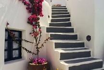 Escaleras rústicas de interior