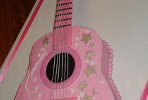 unathi guitar cake