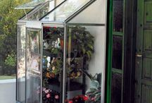 Serres et jardin d'hiver / Des plantes fleurissantes en hiver ou résistantes au gel, et des serres pour les protéger ! Retrouvez tous les conseils pour préparer son jardin à l'hiver ...