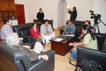 Visita del grupo Mesa Ciudadana / Rep´resentantes del movimiento del grupo Mesa Ciudadana de Quito plantea propuestas a flamante presidente de la Casa de la Cultura. Raúl Pérez Torres