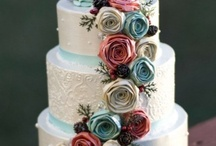 Mmmm... pretty {and} edible :) / Inspiration for cake decorating... it's like crafting with food!! :)