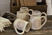 Monas Keramik - Temuggar & Kaffekoppar / Handgjorda keramikkoppar och muggar sköna att avnjuta kaffe eller te i. #handgjord #handgjorda #hantverk #keramik #keramiker #kopp #koppar #keramikkopp #keramikkoppar #mugg #keramikmugg #muggar #keramikmuggar #tekopp #tekoppar #kaffe #te #skapande #unikkeramik #kurs #kurser #keramikkurs #keramikkurser #dreja #drejning #drejkurs #drejkurser #fika #fikatajm #fikatime #svenskfika