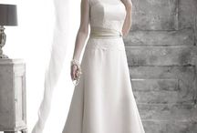 Nicola Anne Bridal / British designed and manufactured Wedding Gowns in gorgeous fabrics; laces, organzas and satins.