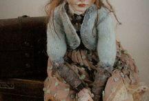 Helena Oplakanska dolls