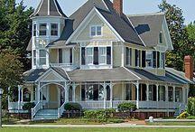 DREAM HOUSE!!!! / by Jennifer Ovitz