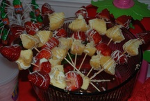 Party Food and Appetizers / by Courtney Rosenthal