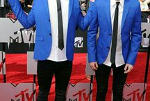 Twenty one pilots ❤ / Tyler Joseph and Josh Dun are very good friends. Perfect music band.