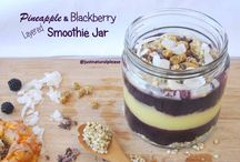 Pineapple & Blackberry Layered Smoothie Jar / Today's recipe is in the jar, is made of fruit, looks like dessert but can (and should) be enjoyed at any time of the day! It is rich in vitamins, antioxidants and is going to make you feel super energized! Raw vegan