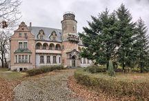 Roszkowice - Pałac / Pałac w Roszkowicach wzniesiony w XIX wieku na polecenie Fryderyka Hansa von Cramon. Obecnie jest własnością prywatną.  Palace in Roszkowice erected in the 19th century at Fryderyk Hans von Cramon's recommendation. At present he is a private property.