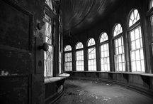 States of Decay / Derelict and abandoned Photographers Daniel Barter and Daniel Marbaix visited dozen of locations on their journey which took in New York City and the infamous Rust Belt, once home to America's heavy industry.