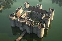 famous european castles and palaces.