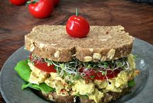 Savoury Saturday Morning Much Outs / Satisfying those eggs and bacon breakfast one raw, vegan meal at a time
