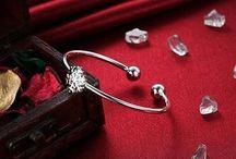Elegant und Wunderschön+Silverplated Armreif für Damen+13 g 14,90 Euro
