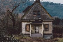 ABANDONED / House, roads and places...