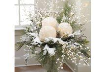 christmas flower arrangments