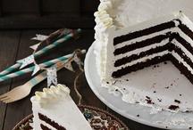 cakes cupcakes / by Ronni Marazas