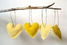 tak met geborduurde hartjes