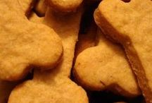 Pet Treat Recipes / Some do-it-yourself pet treat recipes that are sure to be a hit!