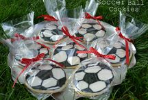 DECORATED COOKIES / by Robyn Kittrell