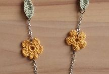 Crochet flower neclace