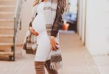 Chic Trendy Maternity Wardrobe for Pregnant Moms