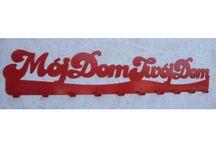 Designerskie wieszaki na ubrania napis / Designerskie wieszaki na ubrania z różnymi napisami