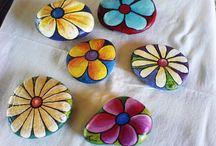 Flowers-painted rocks