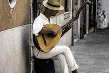Street musicians / Tocando e cantando na rua
