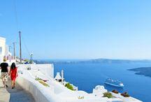 Santorini / Santorini er en af de smukkeste øer i Grækenland. Den er bl.a. kendt for sine fantastiske udsigter og vidunderlige solnedgange ved Oia. Se mere på www.apollorejser.dk