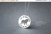 dog breeds necklaces / www.hudoca.com