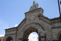 Cementerio de Colón / Construido en 1868 por el arquitecto gallego Calixto Loira Cardoso, el Cementerio o Necrópolis de Colón es uno de lo camposantos mas grandes de toda América. Su visita es un paseo interesante y emotivo por la historia de Cuba. / by Paseos por La Habana