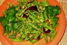 Beans That Are Green / Tasty and colorful Indian vegetarian recipes with green (French) beans, cluster beans, and broad beans.