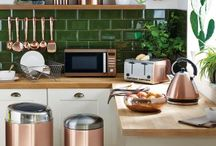Copper Interiors / Over the past few years copper has become the trendiest metal to include in the home! Check out our board, showing subtle and obvious ways of incorporating it into your interirors.