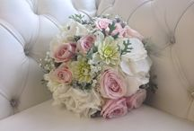 Vintage flowers / Vintage style bride and bridesmaid bouquets