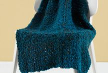 Loom Knitting / by Lindsy Carranza